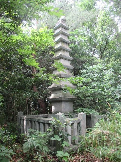 蔵内夫妻塔