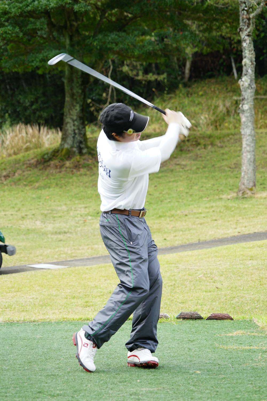 岳陽ゴルフ大会36回生フォームしゅうちゃん横-4